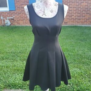 Double Zero flattering little black dress small